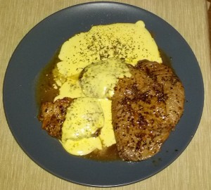 beef steak with bearnaise sauce