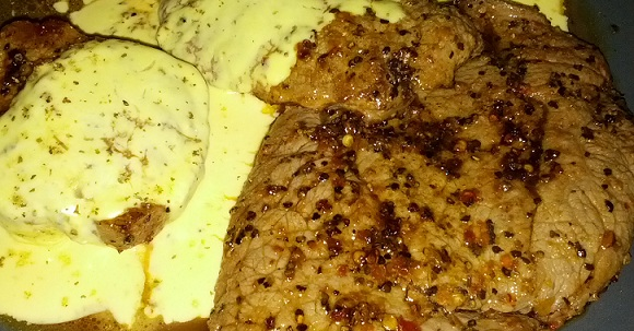 beef steak with bearnaise