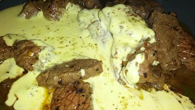 beef cubes with bearnaise