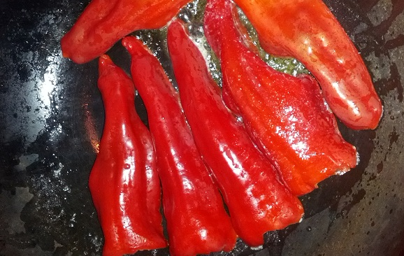 chilli peppers frying